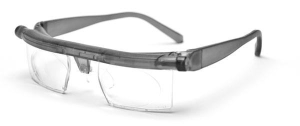 (写真1)簡単にいつでも度数を調整できるメガネ adlens emergensee(アドレンズ エマージェンシー)。