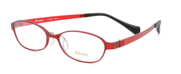 メガネスーパーの新作メガネ Betapla(ベータプラ) 14-0004。価格:16,800円(レンズ込み)。