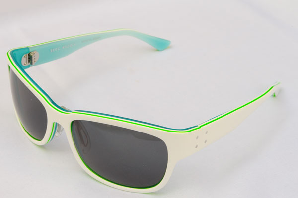 spec espace(スペック エスパス)  2011年新作サングラス ES-9010 カラー:565 white/emerald。