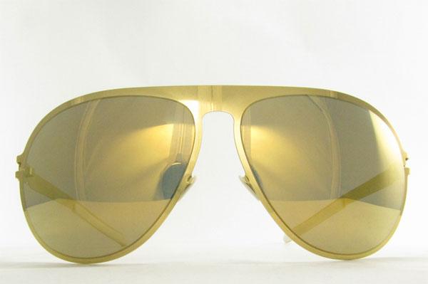 本田圭佑選手が愛用するサングラス MYKITA & BERNHARD WILLHELM(マイキータ&ベルンハルト・ウィルヘルム) ALOIS カラー:038 F9-Gold, Gold Flash。