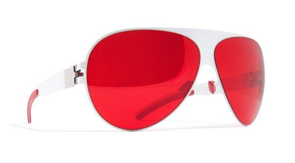 (写真2)MYKITA(マイキータ) サングラス FRANZ-for-Japan。赤と白のコントラストが印象的。