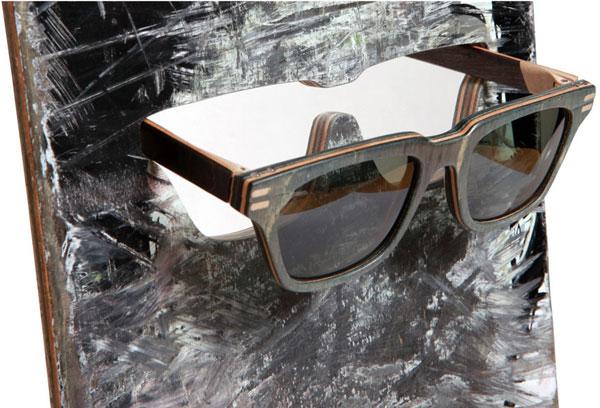 (写真2)Vuerich brothers sunglasses は、スケートボードを切り出して作られる。