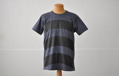 (写真5)wipe T shirt の top カラー:ブルーブラック。