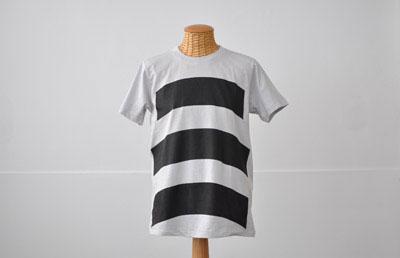 (写真6)wipe T shirt の bottom カラー:ライトグレイ。