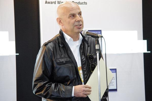 グランプリ受賞のよろこびを語る、アイデザインクラブ コッペアンドシドのオーナーであるグアルティエロ・コッペ氏。image by GLAFAS