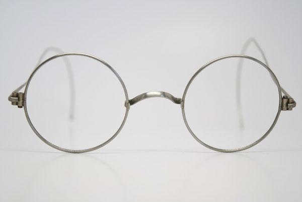 (写真3)Antique Windsor Eyeglasses。価格:128ドル(執筆時現在、約9,960円)
