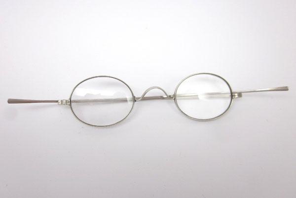 (写真4)Antique Straight temple Eyeglasses。価格:128ドル(執筆時現在、約9,960円)