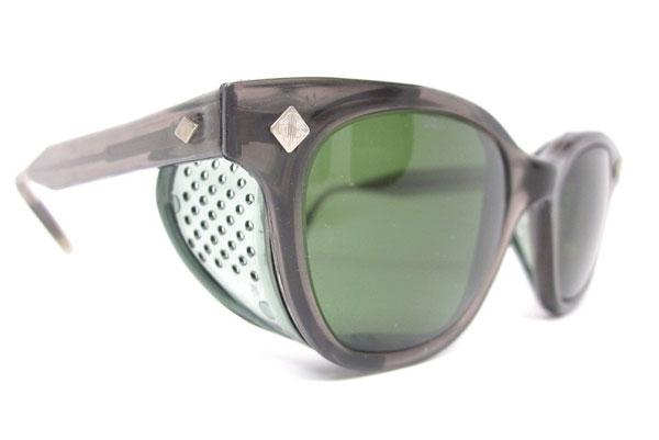 (写真8)Vintage safety glasses/goggles。価格:88ドル(執筆時現在、約6,850円)