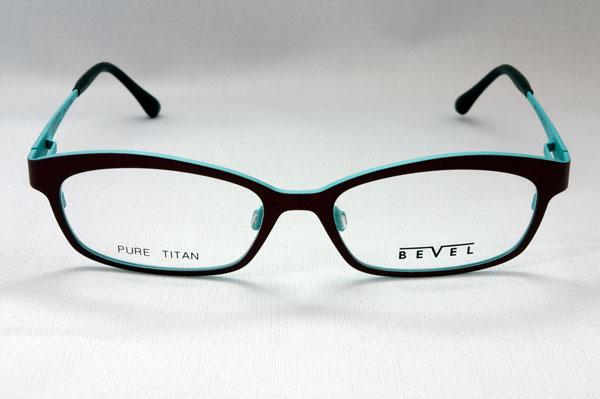 (写真5)BEVEL(ベベル) 8629 Oh Pee AUME を正面から見たところ。