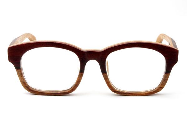 (写真8)東京・西荻窪のメガネ店 glass工房602の木製ウェリントンメガネ。 ローズウッドとオークの組み合わせがおしゃれ。【クリックして拡大】