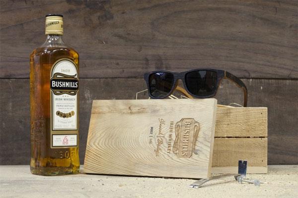 CANBY / THE BUSHMILLS。特製の木箱には限定生産の証であるシリアルナンバーもついている。