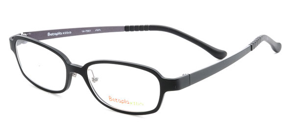 (写真2)Betapla KIDS(ベータプラ キッズ)14-7001 カラー:Black(ブラック・写真)、Gunmetal(ガンメタル)。 価格:14,700円(レンズ込みの「フレームオンリープライス」)