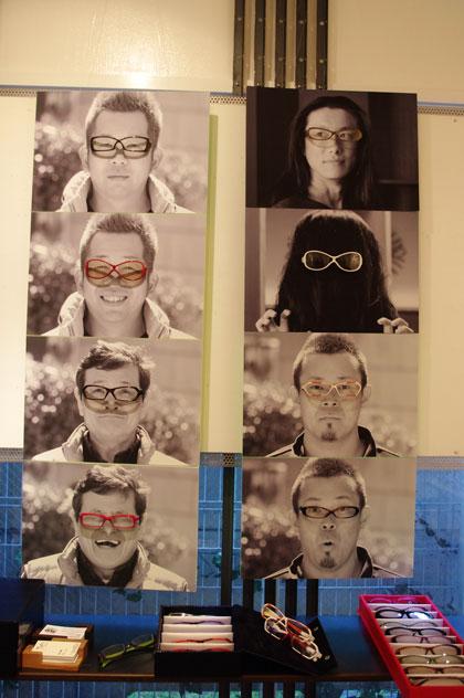 (写真5)Fascino Ribelle (ファッシノ リベッレ)の展示。写真右上はデザイナーの山口進也氏。【クリックして拡大】