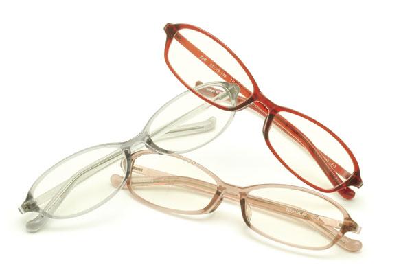 Zoff PC クリアタイプを入れたメガネ。image by インターメスティック