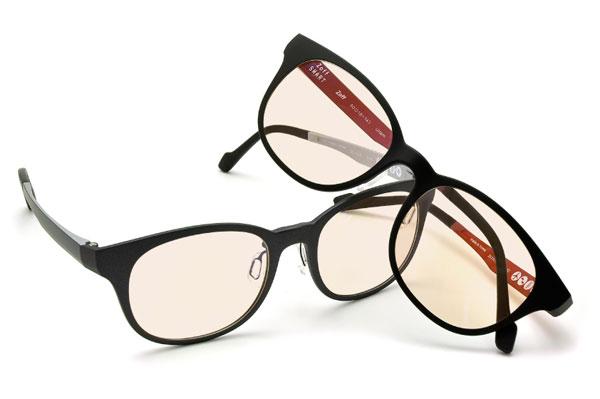 (写真6)Zoff PC カラータイプの入ったメガネ。image by インターメスティック
