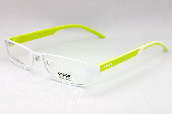(写真1)crocs eyewear(クロックス アイウェア)の一例。ポップでかわいいツートンカラーが印象的。image by GLAFAS 【クリックして拡大】