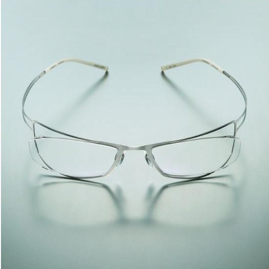 (写真5)眼鏡市場 ZEROGRAⅡ(ゼログラツー)013 スペシャルエディション。カラー:無垢 TTS(むく)、炭 DGRM(すみ)。価格:25,200円(レンズ込み)。image by メガネトップ