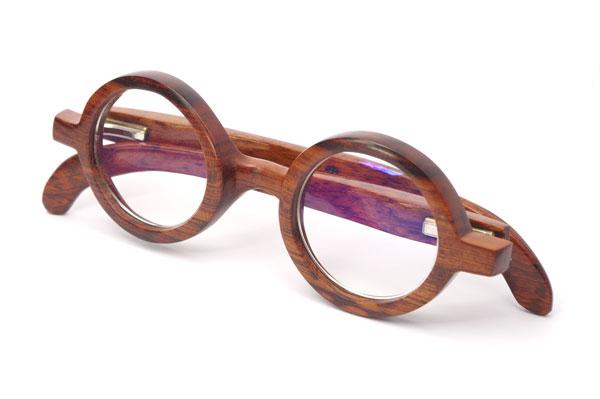 (写真1)東京・西荻窪のメガネ店 glass工房602のスネークウッド製の丸メガネ。美しく表情豊かな木目が魅力的【クリックして拡大】