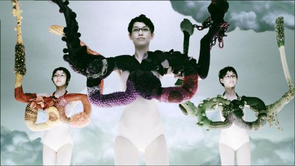 (写真6)Zoff(ゾフ)新CM「くにゅくにゅ篇」より。image by インターメスティック【クリックして拡大】