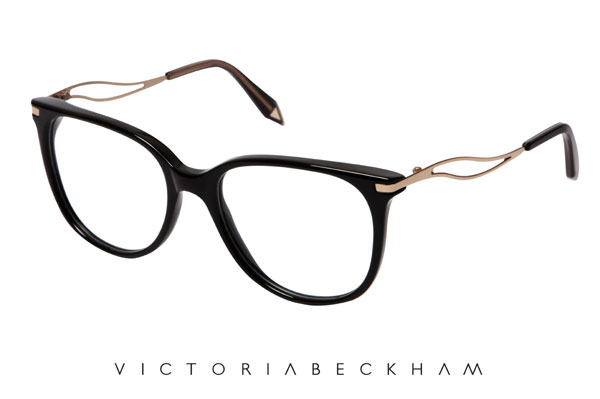 CUTLER AND GROSS(カトラー アンド グロス)の公式ブログに公開されたヴィクトリア・ベッカム初のアイウェアコレクションのメガネフレーム。