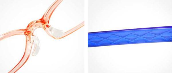(写真4)(左)Air frame α(エア・フレームアルファ)のレディスモデルは透明感と発色のよさが魅力。(右)Air frame α(エア・フレームアルファ)のこだわりポイントは、テンプル(つる)に施されたカッティング。image by JINS