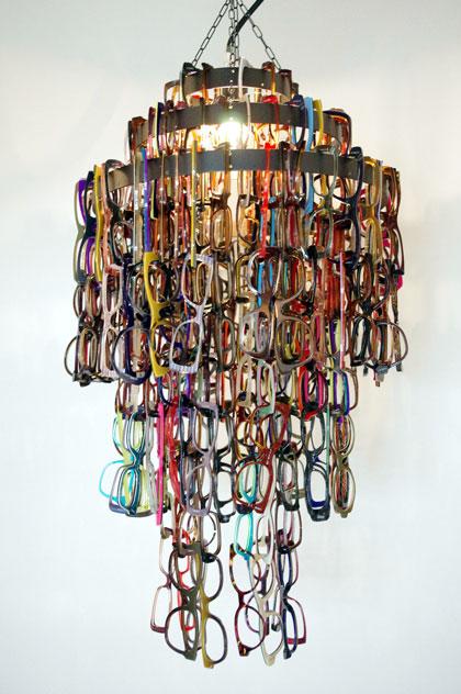 (写真25)メガネのフロントを使ったオブジェ。image by GLAFAS【クリックして拡大】