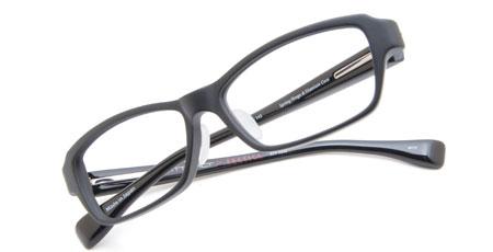 ATP1000/BKM ATTRACT×EROTICA。価格:29,400円。image by EROTICA 設置面積の広いオリジナルの鼻パッド(鼻あて)も、掛け心地のよさに貢献。