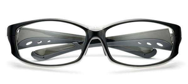 「花粉らくらく君」KF-003 カラー:クリアグレー。 価格:5,800円(度付きレンズ込み、2013年3月末までの限定価格)。