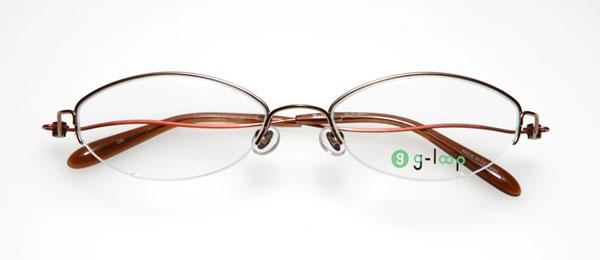 眼鏡市場 g-loop(ジーループ) GLP-101 カラー:オレンジ(写真)、レッド、ピンク、ブラック 重さ:5.1g サイズ:50□17-135 価格:15,750円(レンズ込み)