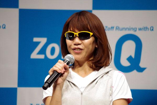 「Zoff Running with Q」について語る高橋尚子さん。