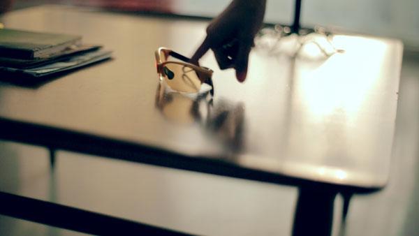 テーブルの上には Zoff Running with Q。【クリックして拡大】