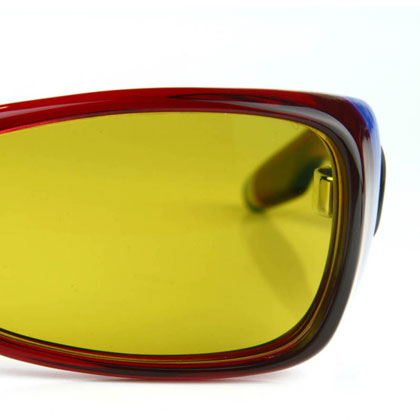 ATY01BA 同様、偏光レンズ Kodak PolarMax6160 を採用。 カラーは「G-15A」と「オリーブグリーン」の2つから選べる。 image by QBRICK【クリックして拡大】
