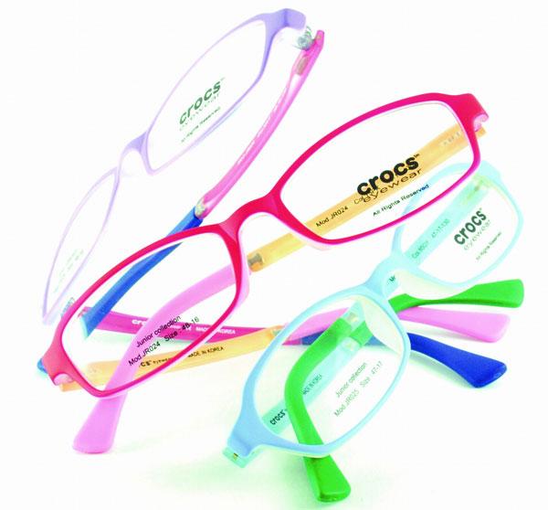 crocs eyewear(クロックス アイウェア)ジュニアフレーム。 image by SEED 【クリックして拡大】