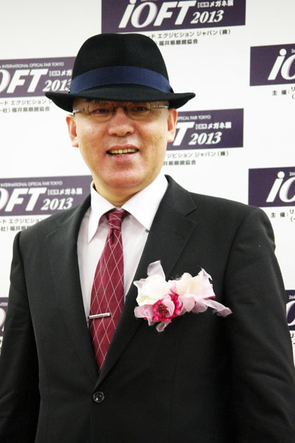 帽子をかぶるとこんな感じ。 【クリックして拡大】