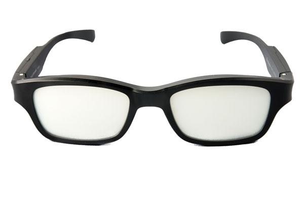 Wink Glasses 2013の液晶シートにより、 視界がくもり、さえぎられた状態。 【クリックして拡大】