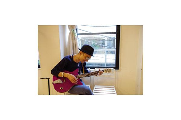 久しぶりにギターを弾いて、 気分が上がりすぎ? 【クリックして拡大】
