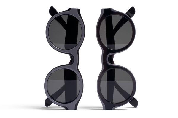 MYKITA(マイキータ)× Maison Martin Margiela(メゾン マルタン マルジェラ) 「DUAL(デュアル)」 (左)MMDUAL001 Black / Grey(右)MMDUAL002 Black / Grey 【クリックして拡大】