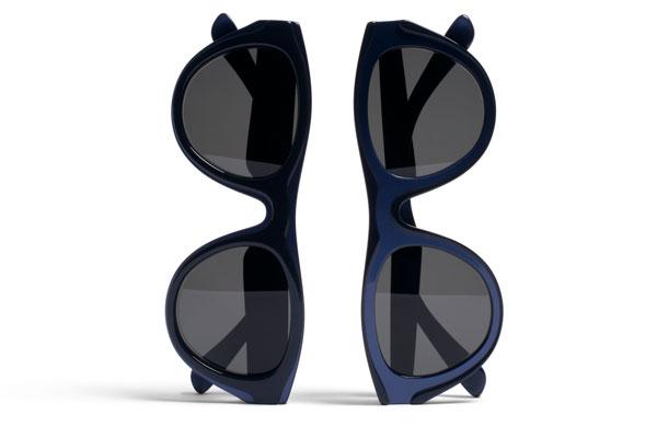MYKITA(マイキータ)× Maison Martin Margiela(メゾン マルタン マルジェラ) 「DUAL(デュアル)」 (左)MMDUAL003 Blue / Navy Blue(右)MMDUAL004 Blue / Navy Blue 【クリックして拡大】