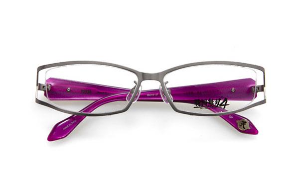 眼鏡市場 × 戦国無双4 織田信長モデル 価格:15,000円(レンズ代込み、税抜) 「この地獄…存分に愉しもう、ぞ」 というセリフがテンプル(つる)内側に。