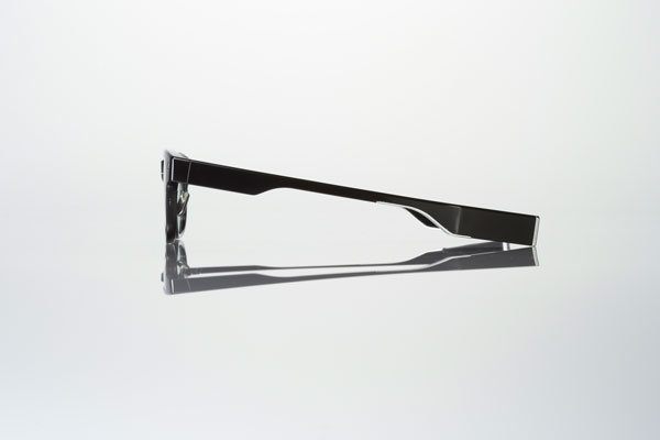 JINS MEME(ジンズ・ミーム)「ウエリントン」は約36g。 普通のメガネより重いのは仕方ないところだろう。 【クリックして拡大】