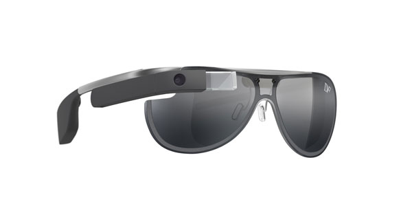 DVF   Made for Glass のサングラスタイプ。 モノトーンのティアドロップスタイルがカッコいい。 【クリックして拡大】