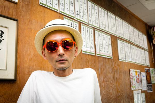 TonySame(トニーセイム)「SunLight」TS-10144 カラー:001(ブラック)、200(ネオンライトブルー)、201(ネオンイエロー)、202(ネオンオレンジ、写真)、203(ネオンピンク)、204(ネオンパープル) 希望小売価格:18,000円(税別) 【クリックして拡大】
