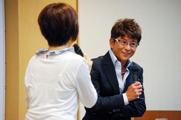 哀川翔トークショーでの一コマ。 【クリックして拡大】