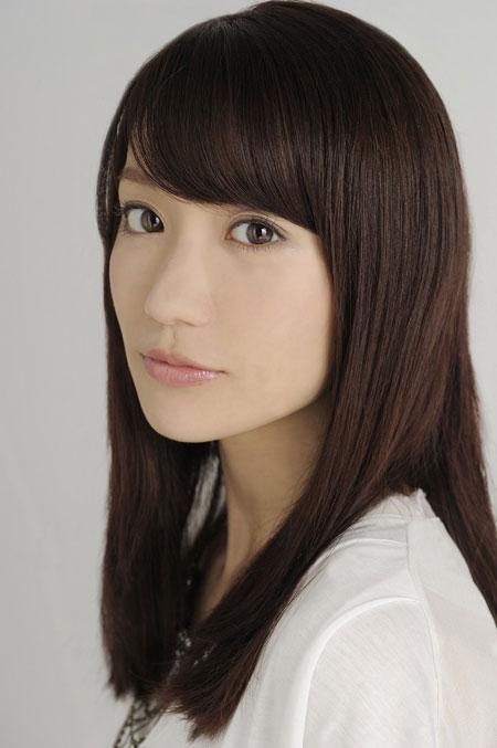 女優の大島優子さんは、1988年10月17日生まれで栃木県出身。 2006年よりAKB48に所属、国民的人気を誇り、2014年6月に惜しまれながらも卒業した。