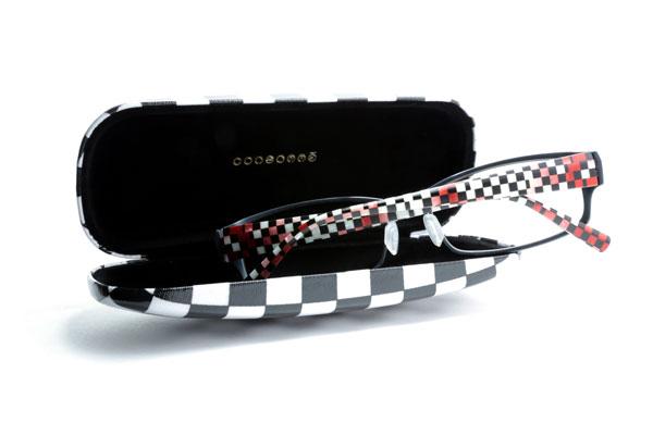 CONSOMME(コンソメ)Cassata(カッサータ)シリーズは、セットで付いてくるメガネケースも特別仕様。 image by インターメスティック 【クリックまたはタップで拡大】