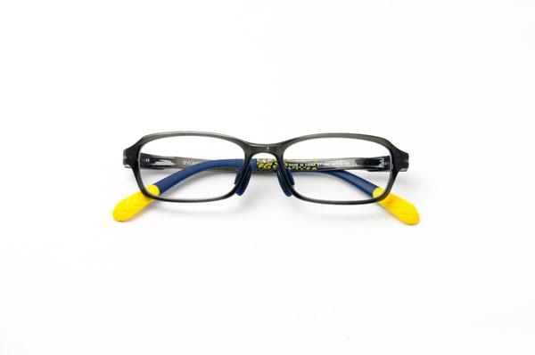 メガネスーパー 瞬足 SY-1002 カラー:グレー(写真)・ブルー・ブラック 通常価格:17,000円(税別)