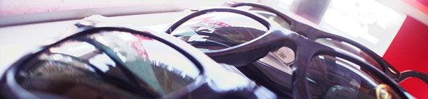 メガネのカワチ「レイバン展」は、人気の定番から限定モデルまで、メーカーバックアップのもと、サングラスが豊富にそろう。