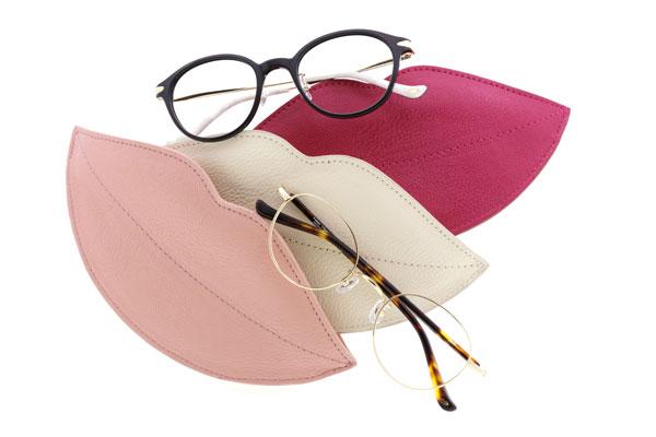 6月上旬発売のリップ型メガネケース。ポーチとして使うのもオススメ。