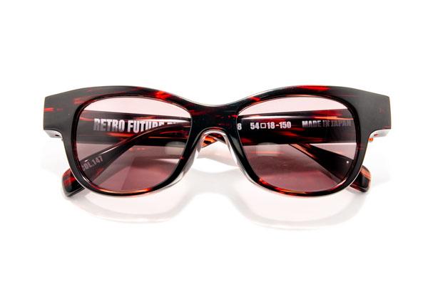 RETRO FUTURE BY 900(レトロ フューチャー バイ キュウヒャク) RF-008 カラー147 参考価格:35,000円(税別) 懐かしいけど新しいスタイルのサングラス。