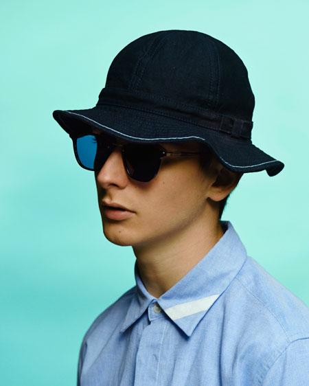 ハットは、帽子ブランド COMESANDGOES(カムズアンドゴーズ)別注モデル。